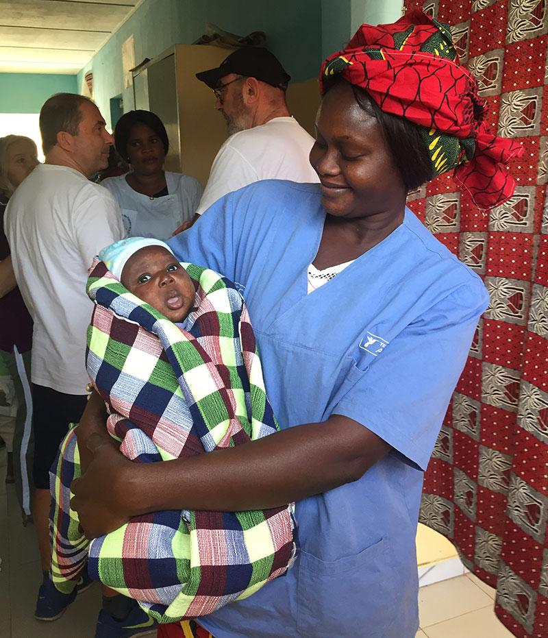 infermiera-e-neonato